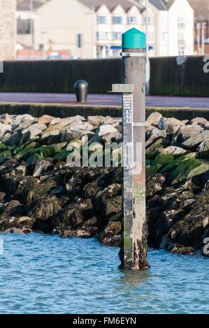water depth gauge Stock Photo, Royalty Free Image ...