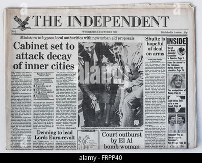 Upper front page Issue #2 'The Independent' UK national newspaper printed Wednesday 8th October 1986 - 'The Independent' - Stock Photo