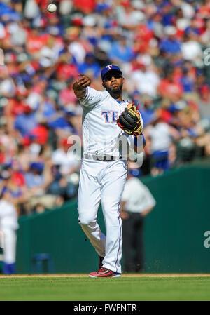 APR 04, 2016: Texas Rangers shortstop Elvis Andrus #1 ...