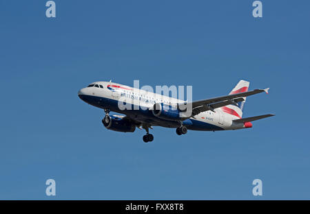 British Airways Airbus A319-131 G-EUPZ approaching London Heathrow  SCO 10,338 - Stock Photo