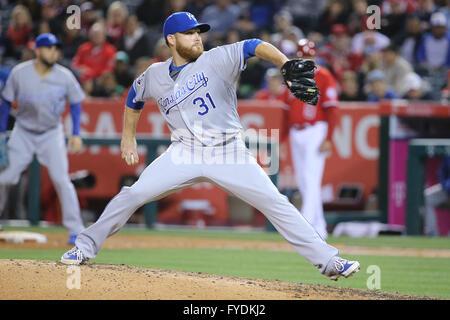 Anaheim, California, USA. 25th Apr, 2016. Kansas City Royals starting pitcher Ian Kennedy #31 makes the start for - Stock Photo