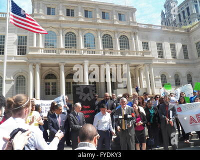 New York, USA. 25th Apr, 2016. Voter rights and Voter suppression Groups along with NY State Assembly members attended - Stock Photo