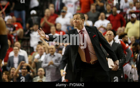Portland, Oregon, USA. 25th April, 2016. TERRY STOTTS coaches from the sidelines. The Portland Trail Blazers hosted - Stock Photo