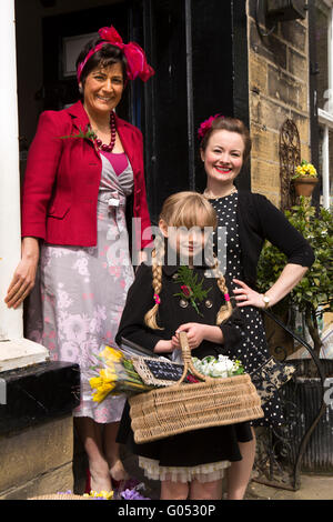 UK, England, Yorkshire, Haworth 40s Weekend (l-r) Annie Milner, Lily Milner, Charlotte Walsh - Stock Photo