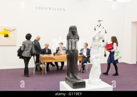 New York, New York, USA. 06th May, 2016. Frieze New York art fair. Visitors and staff in the Fred Wilson show at - Stock Photo
