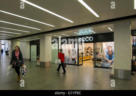 Ecco Shoe Shops Uk