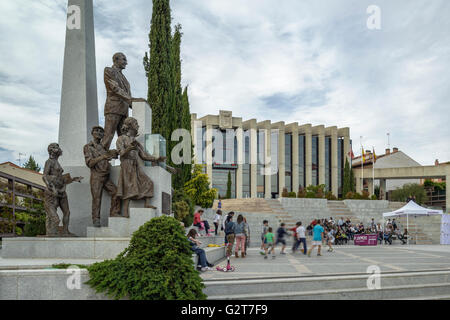 Briefing Podemos the Town Hall square in the town of Navalcarnero, Madrid, Spain. - Stock Photo