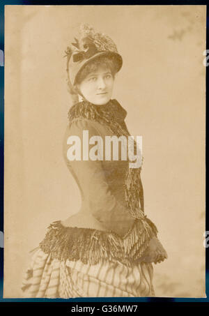 Victorian woman in outdoor dress.        Date: circa 1890 - Stock Photo