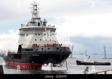 St Petersburg, Russia. 10th June, 2016. . 10th June, 2016. The Ilya Muromets diesel-electric icebreaker, the lead - Stock Photo