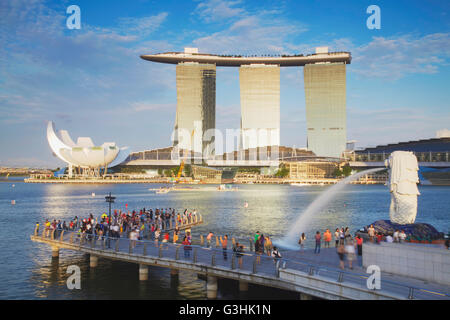 Marina Bay Sands Hotel, ArtScience Museum and the Merlion statue, Singapore - Stock Photo