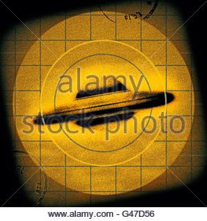 Retro UFO flying saucer sighting mid century atomic retro space age - Stock Photo