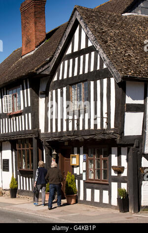 UK, England, Herefordshire, Pembridge, East Street, The King's house restaurant in timber framed former pub - Stock Photo