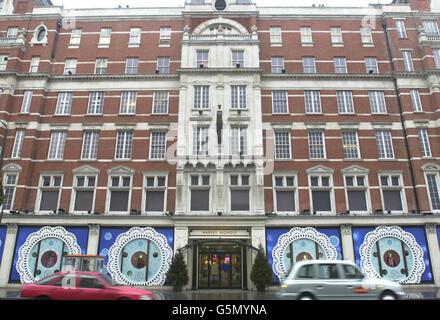 Harvey Nichols department store in London - Stock Photo