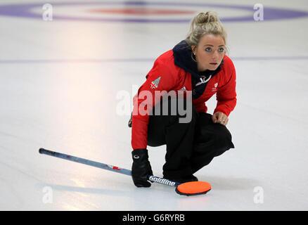 Winter Olympics - Team GB Curling Teams Prepare for Sochi - The Peak - Stock Photo