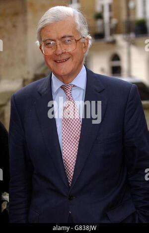 Lord Hanson memorial service - St Paul's Church - Knightsbridge - Stock Photo