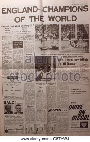 World Cup Soccer - Sunday Express - July 31st 1966 - Stock Photo