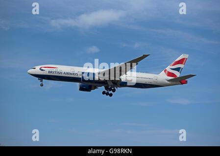 British Airways Boeing 777-236 Registration G-VIMM on approach to London Heathrow Airport.  SCO 10,468. - Stock Photo