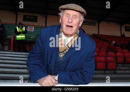 Soccer - FA Cup - Second Round - Swindon Town v Morecambe - County Ground - Stock Photo