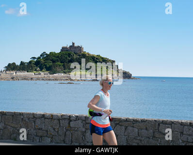Marazion, Cornwall, UK. 5th July 2016. Former police firearms officer, Yvie Johnson, who suffers from bipolar disorder, - Stock Photo