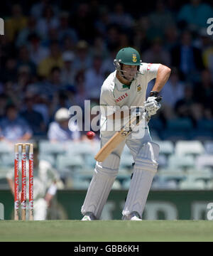 Cricket - 3 mobile Series - First Test - Australia v South Africa - WACA - Second Day - Stock Photo