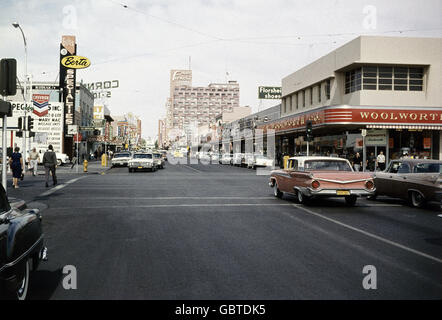 geography / travel, USA, Los Angeles, California, street scene, crossroad, 1961, - Stock Photo