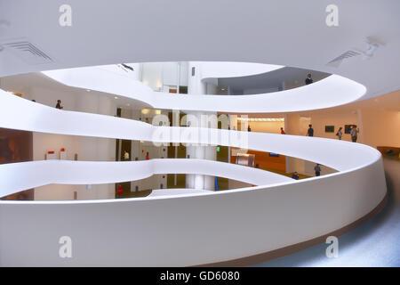Guggenheim museum in New York City - Stock Photo