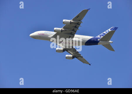 Farnborough, Hampshire, UK. 14th July, 2016. 4 th Day of the Farnborough International Trade Airshow.  The Airbus - Stock Photo