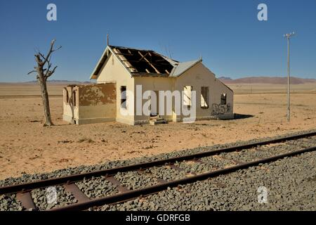 Old train station and abandoned house garub namibia for Old house tracks