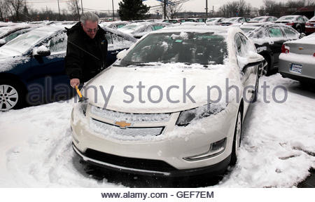 THIS PICTURE IS 19 OF 25 TO ACCOMPANY INSIGHT 'ELECTRIC-CAR/BIG OIL'. SEARCH IN YOUR PICTURE SYSTEM FOR KEYWORD - Stockfoto