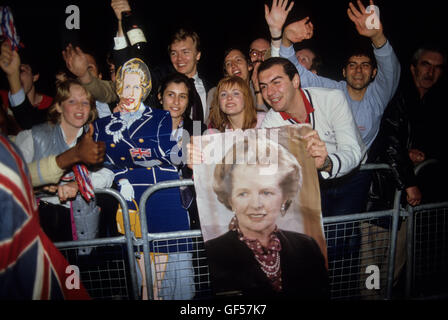 Young Conservatives Mrs Maggie Margaret Thatcher General Election 1983. Uk . HOMER SYKES - Stockfoto