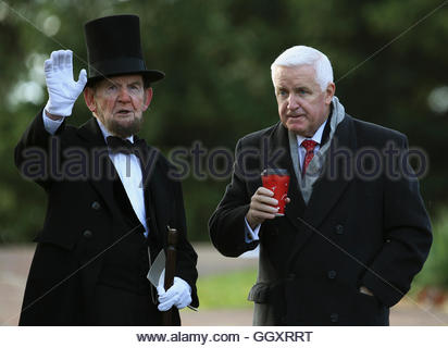 James Getty (L), portraying U.S. President Abraham Lincoln, chats with Pennsylvania Republican Governor Tom Corbett - Stock Photo