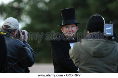 James Getty (C), portraying U.S. President Abraham Lincoln, has his picture taken before delivering the Gettysburg - Stock Photo