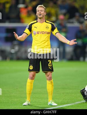 Dortmund, Germany. 27th September, 2016. Dortmund, Deutschland. 27th Sep, 2016. Andre Schuerrle (BVB) gestures  - Stock Photo