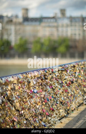 love locks on the Île de la Cité, Paris, France - Stock Photo