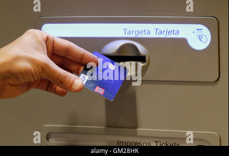 how to put atm card in atm machine