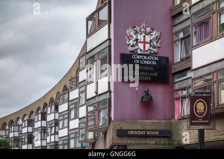 Crescent House, Golden Lane Estate, Corporation of London, UK - Stock Photo