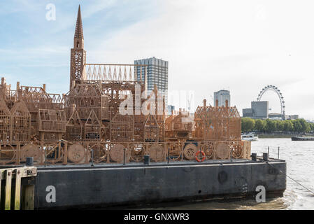 London, UK.  1 September 2016.  'London 1666', a 120m wood sculpture of the 17th century skyline of London, by David - Stockfoto