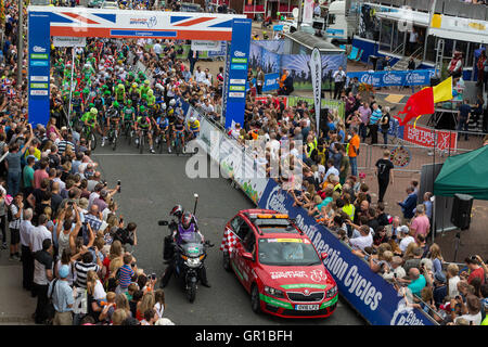 Congleton Cheshire, UK. 6th September, 2016. Stage 3 of the 2016 Tour of Britain Credit:  Michael Buddle/Alamy Live - Stock Photo