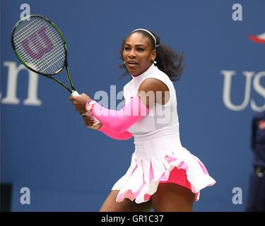 Flushing, New York, USA. 5th September, 2016.Serena Williams Vs Yaroslava Shvedova on Arthur Ashe Stadium at the - Stockfoto