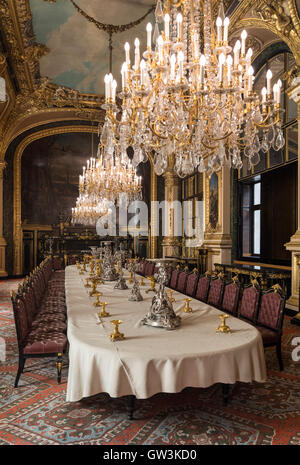 Napoleon iii s apartments paris louvre museum stock photo for Salle a manger paris