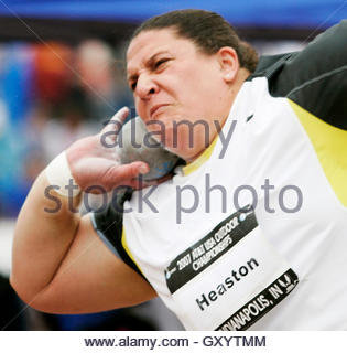 Kristin Heaston of Palo Alto, California competes in the women's shot put finals at the USA Outdoor Track and Field - Stockfoto
