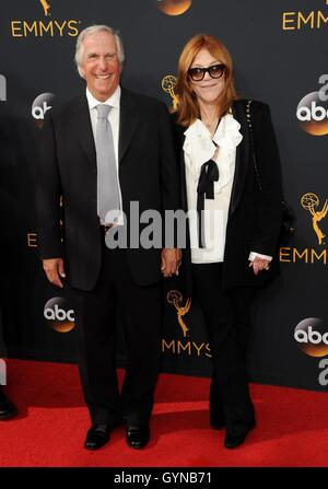 Los Angeles, CA, USA. 18th Sep, 2016. Henry Winkler at arrivals for The 68th Annual Primetime Emmy Awards 2016  - Stock Photo