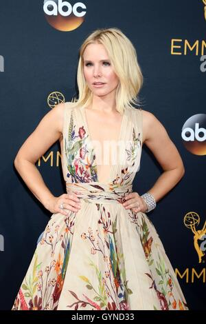 Los Angeles, CA, USA. 18th Sep, 2016. Kristen Bell at arrivals for The 68th Annual Primetime Emmy Awards 2016 - - Stock Photo
