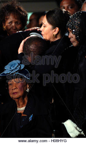 Family members grieve at a memorial service for civil rights pioneer Rosa Parks as her body lies in honor in the - Stock Photo