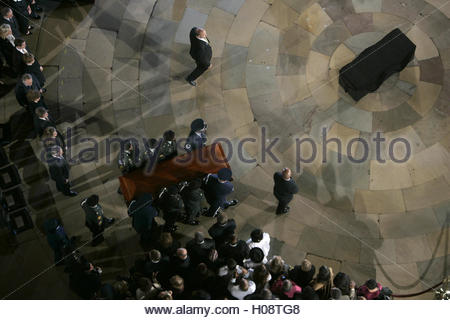 Civil rights pioneer Rosa Parks' casket is carried into the Capitol Rotunda in Washington October 30, 2005. Parks, - Stock Photo
