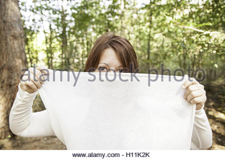 Moroccan Girl with veil in the head and cloth - Stockfoto