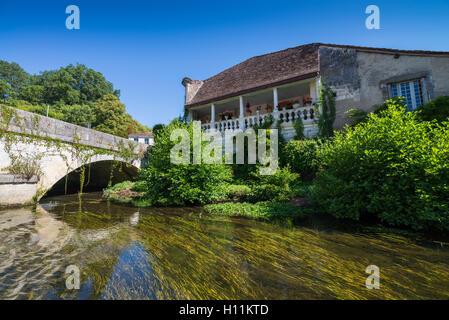 Boat trip on the river La Dronne in Brantome, Dordogne, Aquitaine, France. - Stock Photo