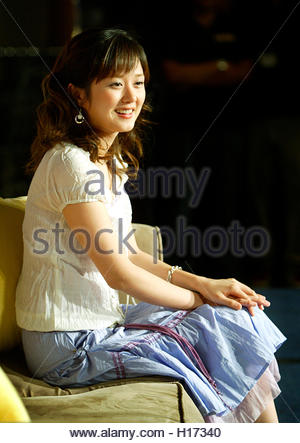 South Korean actress Jang Nara poses during a news conference in  Taipei, August 25, 2003. Jang is in Taiwan to - Stock Photo