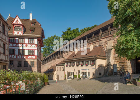 Tower of the city wall half timbered house spangenberg for Albrecht hesse
