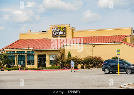 exterior of olive garden italian restaurant usa stock photo royalty free image 61969562 alamy ForOlive Garden Italian Restaurant Oklahoma City Ok